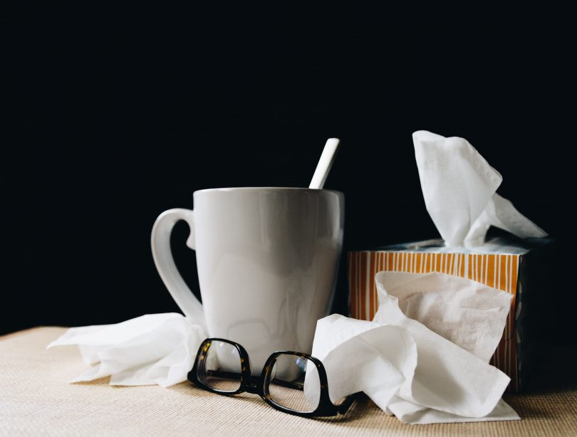 Healthy foods to eat and others to keep away when you suffer from a cold, flu or fever.