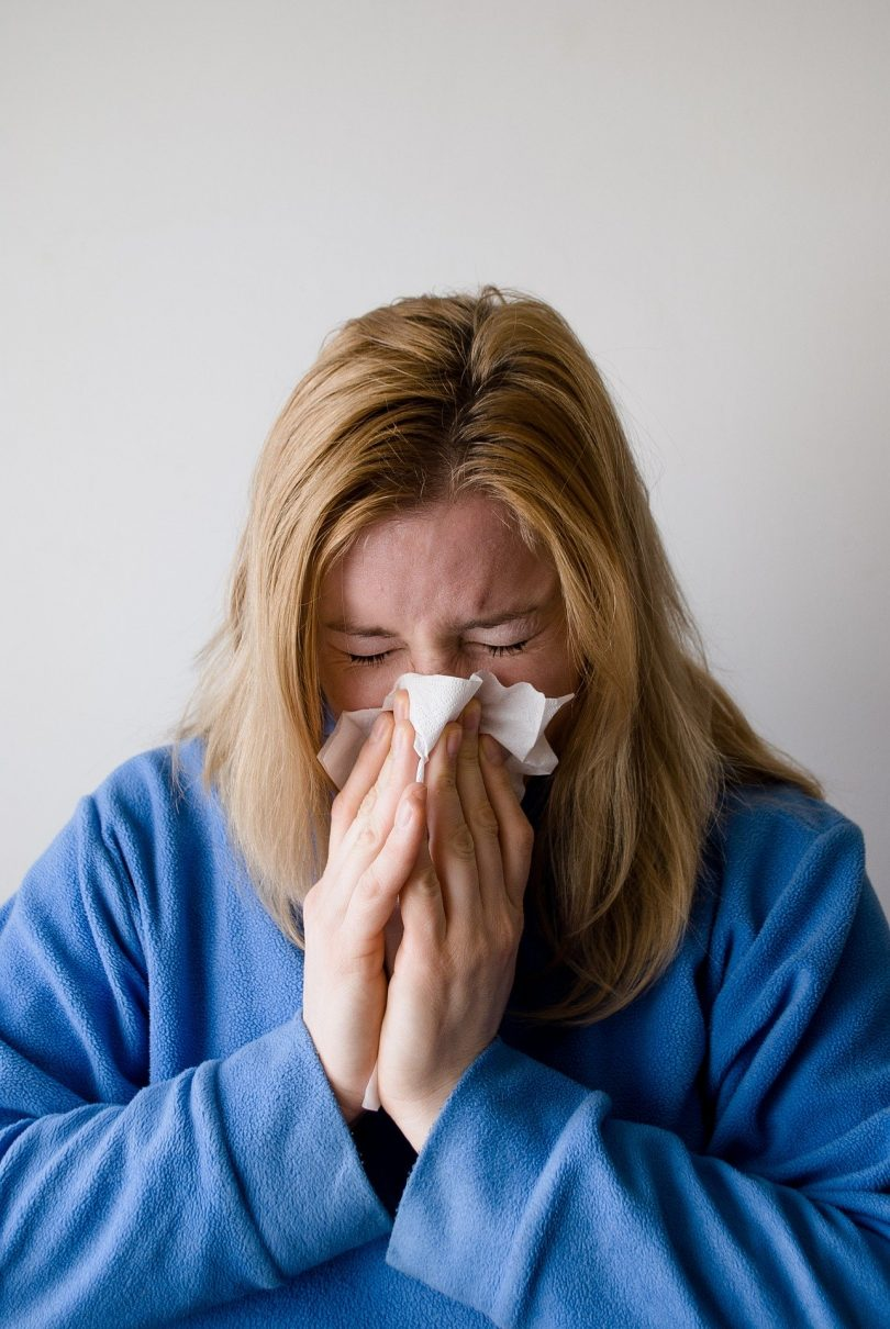 Healthy Foods To Avoid Eating When You Have A Cough or Sore Throat
