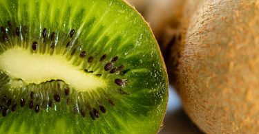 WHAT HAPPENS TO YOUR BODY WHEN YOU EAT 3 KIWI EVERY DAY (9)